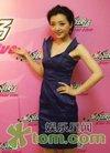 女星姜鸿出席时尚活动 尽显大方迷人气质