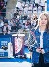 火箭少女101孟美岐参加网球公益活动,和张帅互...