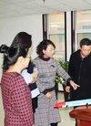 上南街小学教师冯鹏在全国第六届中小学实验教...