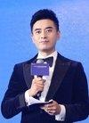陈龙出席活动 计划将《藏骨人》搬上大银幕_华...