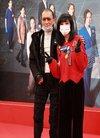 83岁谢贤出席活动戴口罩成错误示范,被问谢霆...