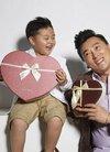 刘小锋圣诞亲子写真 与儿子甜蜜活动暖意十足...
